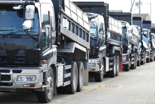 産廃収集運搬業許可にて登録ができる車両